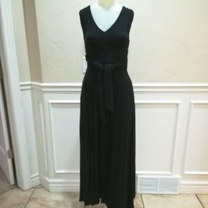 Vaness Virginia black knit maxi dress